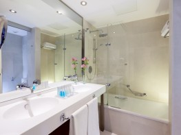 352-room-17-hotel-barcelo-estepona-thalasso-spa37-170923